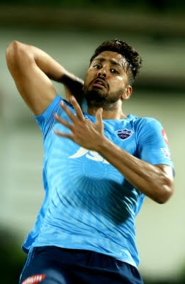 Went blank when Axar was asked to bowl super over: Avesh