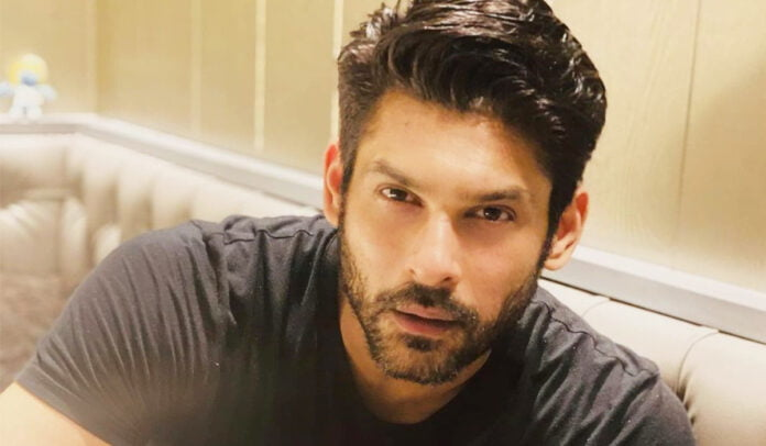 Sidharth Shukla's handsome look in black tshirt will make you drool