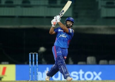 Spinners weren't getting help, went with Stoinis: Pant