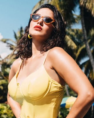 Sunny Leone: Difficult to box with mask on