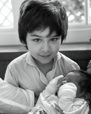 Kareena Kapoor shares Taimur's picture with baby brother on Mother's Day