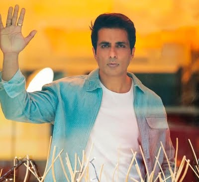 Sonu Sood gets critically-ill Covid patient airlifted