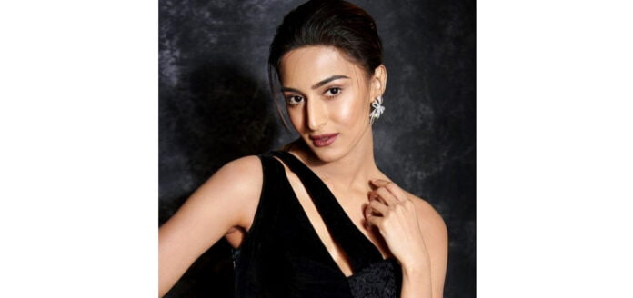 Erica Fernandes to return with Kuch Rang Season 3