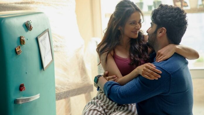 Arjun Kapoor shares a funny video titled 'Clumsy Arjun'!