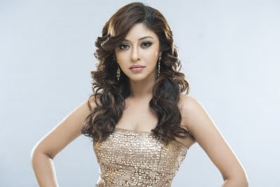 Payal Ghosh pitches in to provide beds, medicine