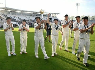 Let's play more Test matches (Column: Left-hand view)