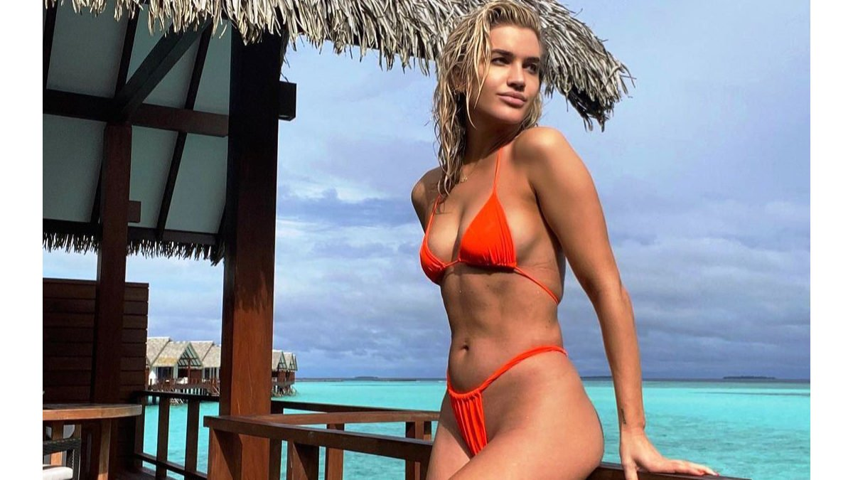 Ashley Roberts insists she is looking for love!