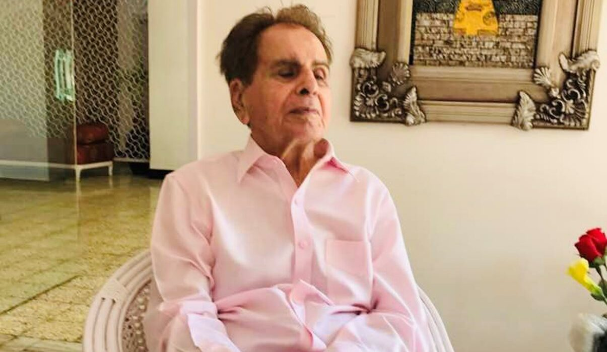 Dilip Kumar is stable, on oxygen support, not ventilator