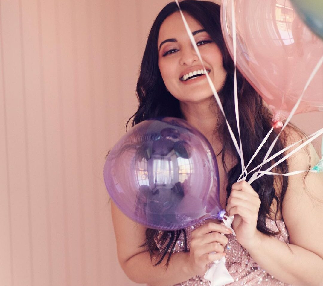 Sonakshi Sinha makes a birthday wish... for all