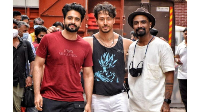 Tiger Shroff, Remo D'Souza, Jackky Bhagnani spotted at a studio; what's cooking?