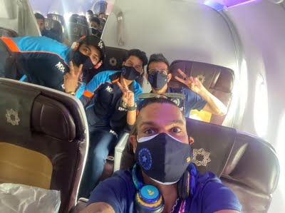 Dhawan-led India enters week-long quarantine on arrival in Colombo (Ld)
