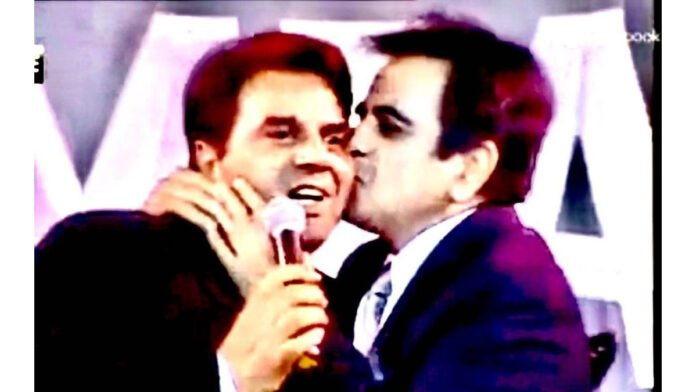Dharmendra on Dilip Kumar: Extremely sad to lose my brother