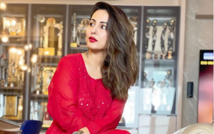 Hina Khan flaunts her red eid outfit