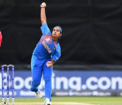 Bowlers need to fight hard and back the batters: Shikha Pandey