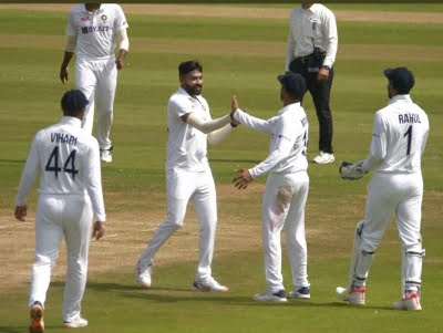 Warm-up: Sundar scores one as Indian bowlers make merry in 1st session of Day 2