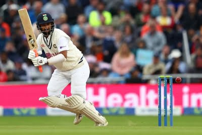 Pujara is a real sticker and was flowing positively: Lloyd