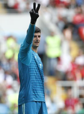 Thibaut Courtois extends contract with Real Madrid
