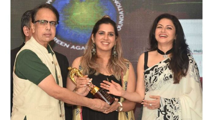 Ananth Mahadevan, Renuka Shahane come together for 'First Second Chance'