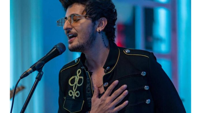 Darshan Raval feels this about Bollywood stars in his music videos