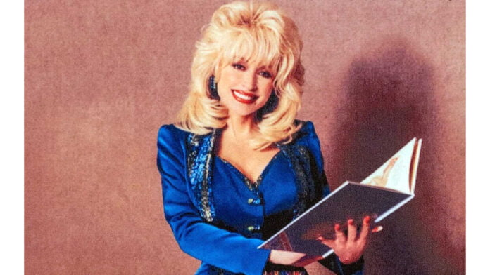 Dolly Parton to publish her first novel next year