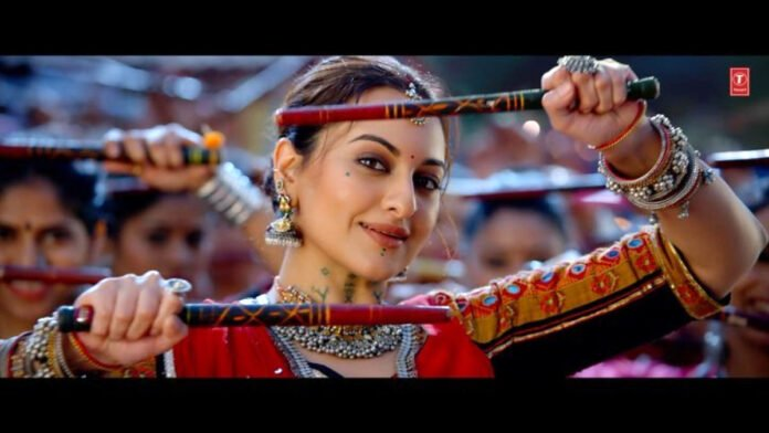 Sonakshi Sinha does Garba for the first time!