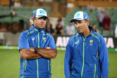 Ricky Ponting offers his support to Australian coach Justin Langer