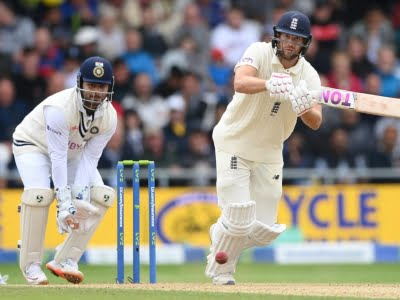 3rd Test: Rishabh Pant asked to remove taping on keeping gloves
