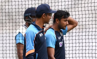 India in England: Opener Agarwal hit on the head, under medical observation