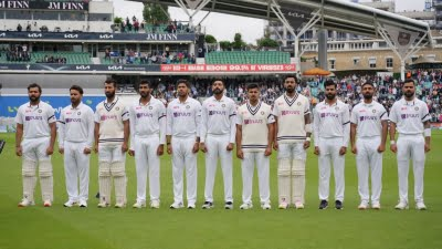 4th Test: Indian players wear black armbands in Paranjape's honour