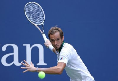 Medvedev on course for US Open title showdown against Djokovic