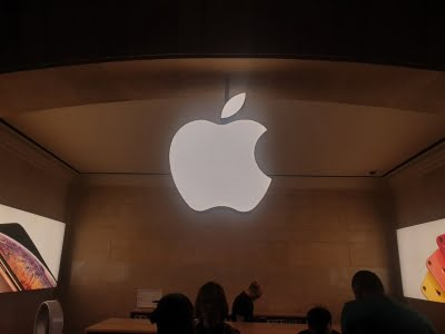 Apple hires ex-Mercedes engineers for 'Apple Car' team: Report