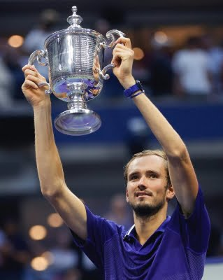 Rod Laver, Billie Jean King lead tributes to Medvedev after US Open win