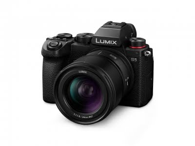 Panasonic launches a new lens for Lumix S series