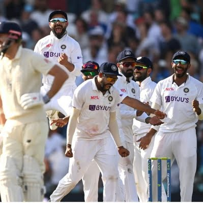 Vaughan defends Kohli's 'trumpet gesture' aimed at Barmy Army