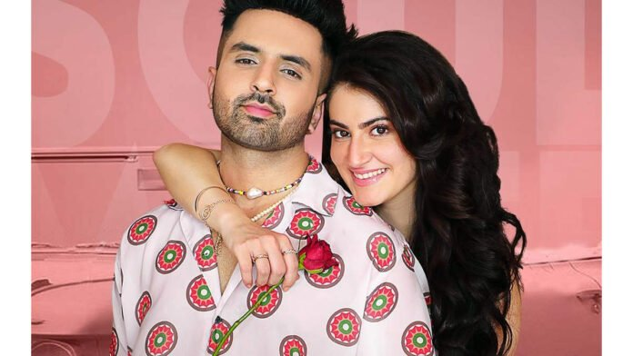 Akull, Aastha Gill's romantic single 'Soulmate' out